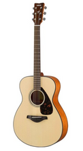 Yamaha 'Folk Size' Acoustic Guitar