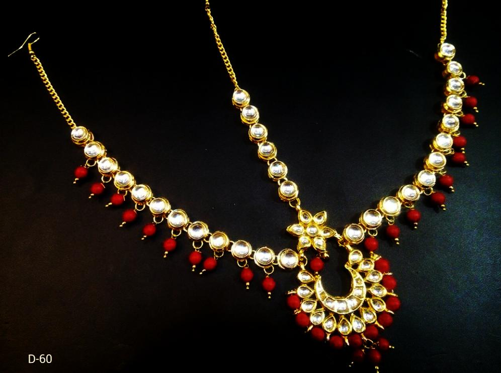Beautiful Kundan And Colored Pearls Mathapatti