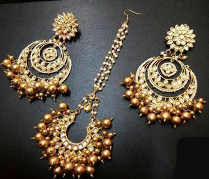 Elegant Golden Color Maangtika With Matching Earrings