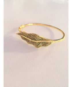 Beautiful Leaf Look Bracelet