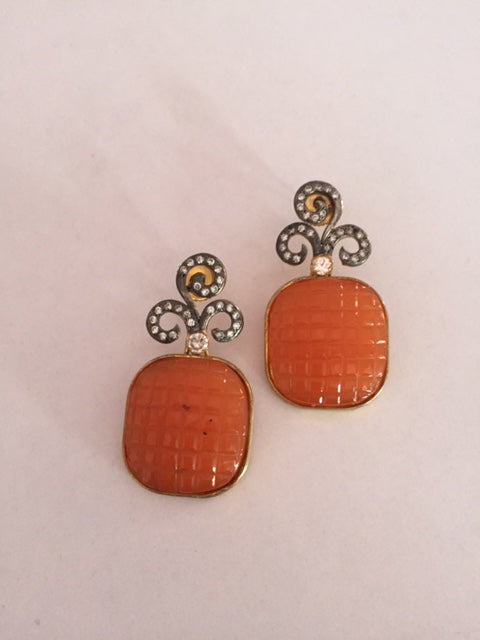 Fashionable And Exclusive Earrings Pair