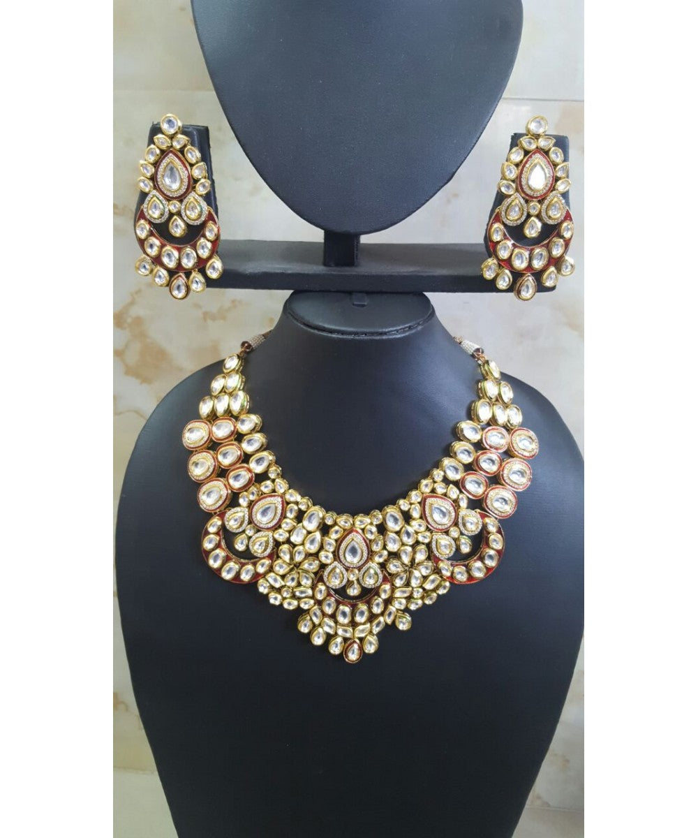 Beautiful Bridal Set With Matching Earrings