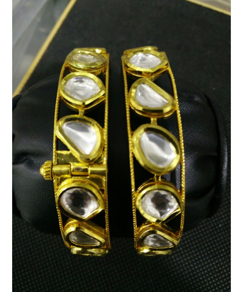 Fashionable Looking Bangle Pair