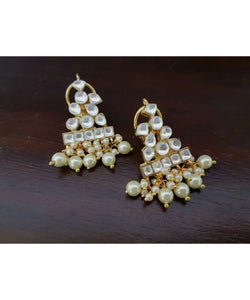 Gold Plated Kundan And Pearls Earrings Pair