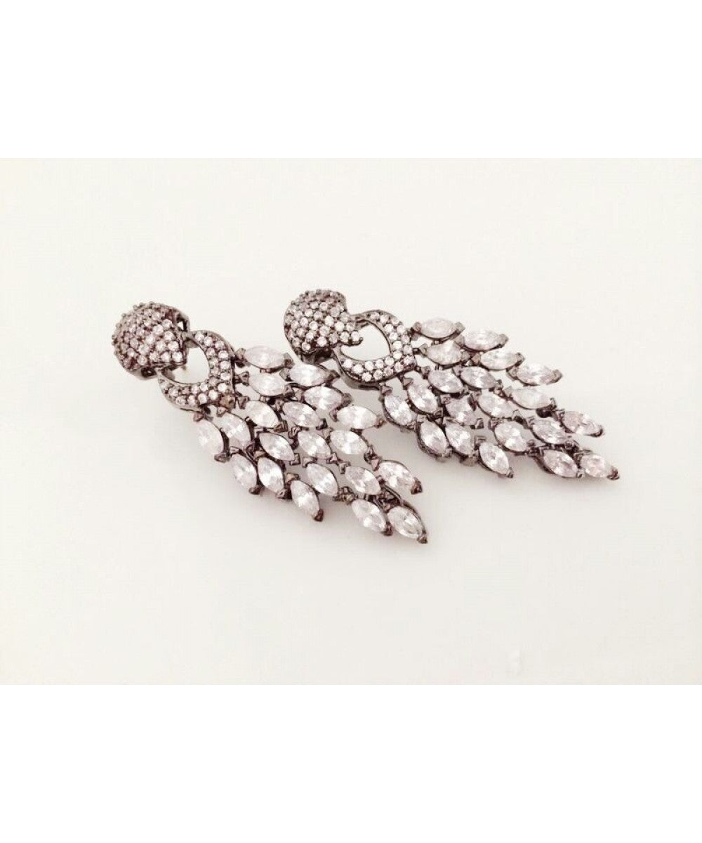Beautiful Diamond Look Earrings Pair