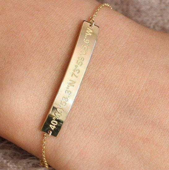 Golden personalized coordinates bracelet