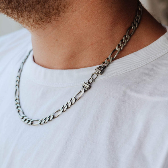 A silver figaro chain 8mm