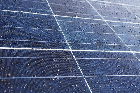 macro-detail-of-water-drops-on-solar-panel-1024x682