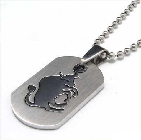 Metal Wall Street Charging Bull Necklace – Dog Tag Design
