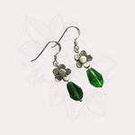 Load image into Gallery viewer, Daisy Green Earrings