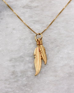 Feather Duo Pendant Necklace in gold