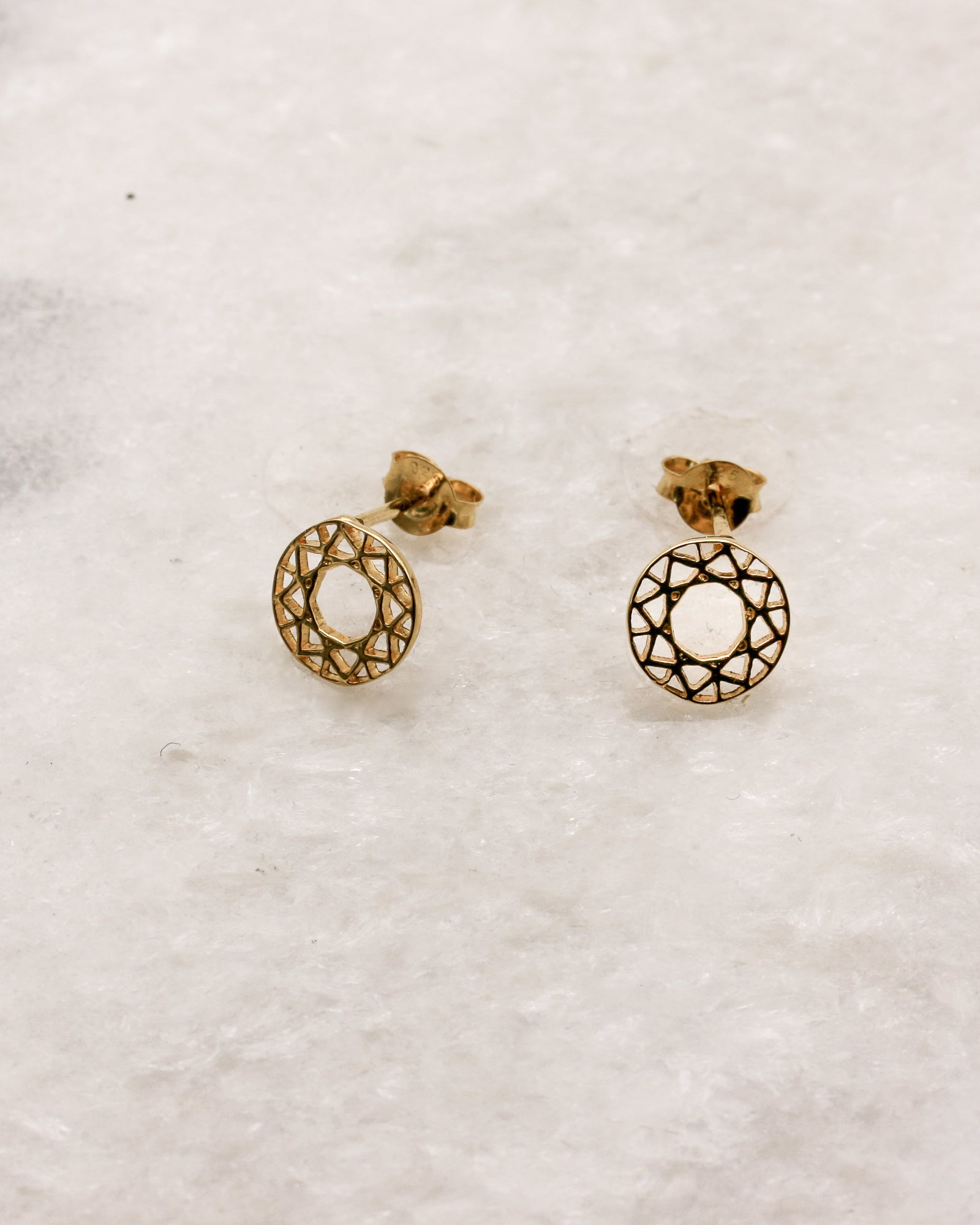 solid shop stud earrings circle gold open karma