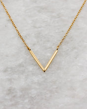 In-line chevron necklace in gold