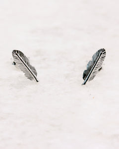 Feather ear studs in silver
