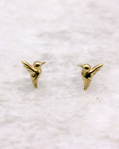 Hummingbird stud earring in gold