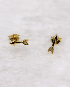 Small Arrow stud earrings gold
