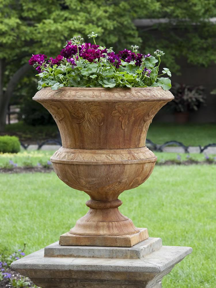 Smithsonian Flight of Fancy Urn