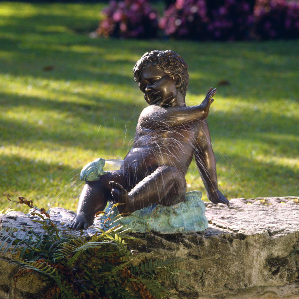 Child's Splashy Surprise: Spitting Frog Garden Statue