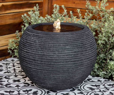 Sonora Large Fountain in Black Stone Ledge