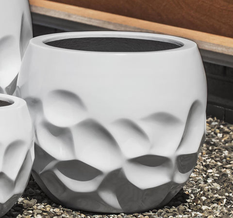 Prism Planter - Medium in Glossy White Lite