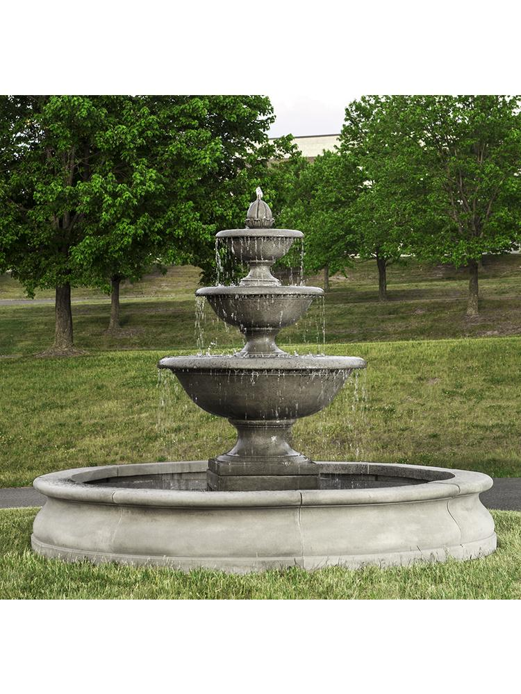 Monteros Fountain in Basin