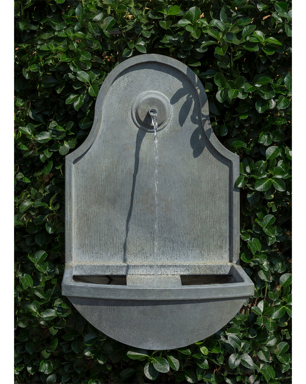 Curved Bottom Zinc Hanging Wall Fountain
