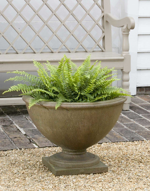 Set of 2 Williamsburg Bassett Hall Urn Garden Planters with FREE Plants