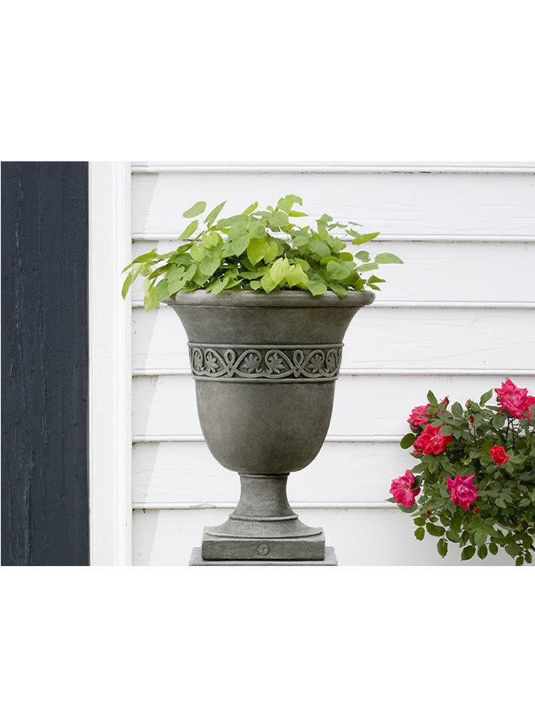 Williamsburg Strapwork Leaf Urn Garden Planter