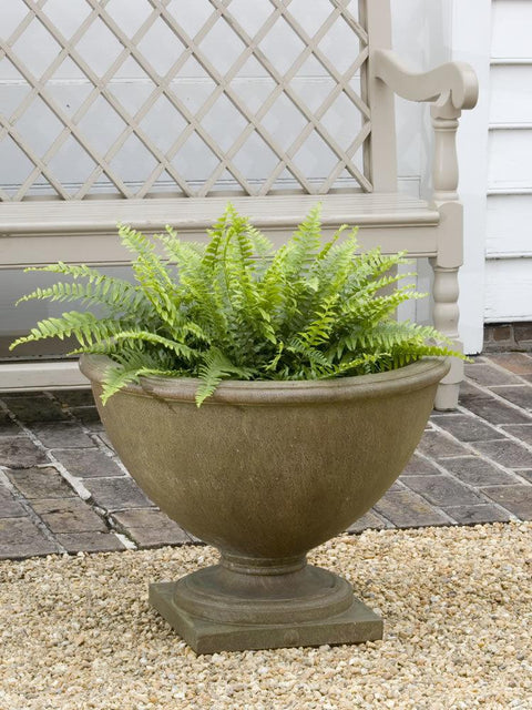 Williamsburg Bassett Hall Urn Garden Planter