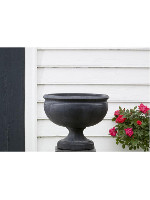 Williamsburg Plantation Urn Garden Planter