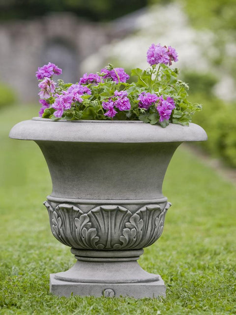 Williamsburg Acanthus Small Planter