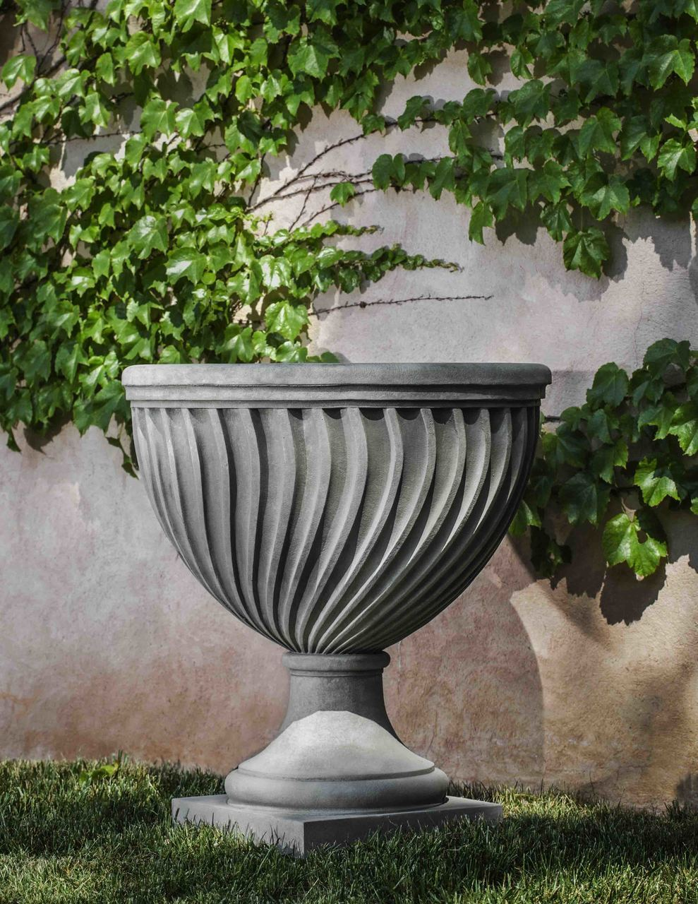 Set of 2 Quadrille Urns with FREE Plants