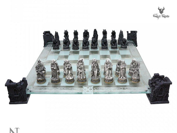 Vampire & Werewolf Chess Set 43cm Twilight Saga Styled Chess Set Nemesis Now - Gothic Fantasy Store