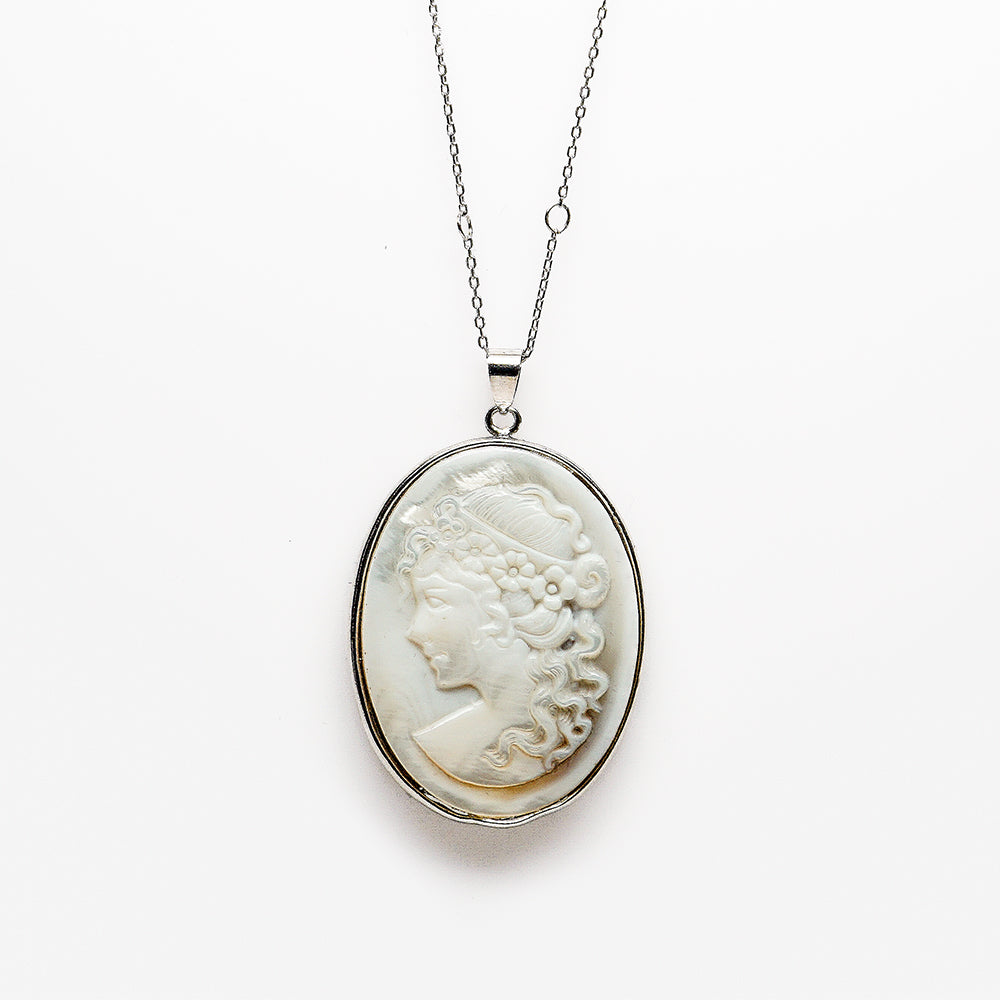Mother of Pearl Cameo Necklace New