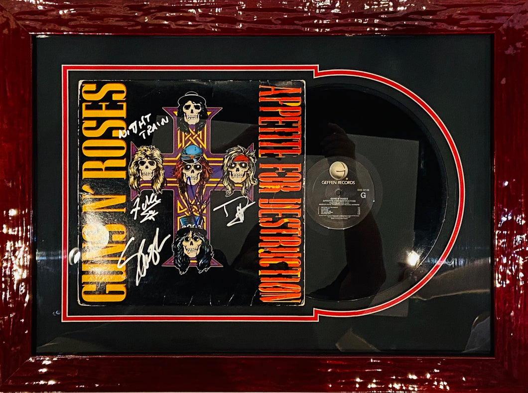 APPETITE FOR DESTRUCTION - ALBUM COVER AND VINYL SET UP - SIGNED BY GUNS N' ROSES