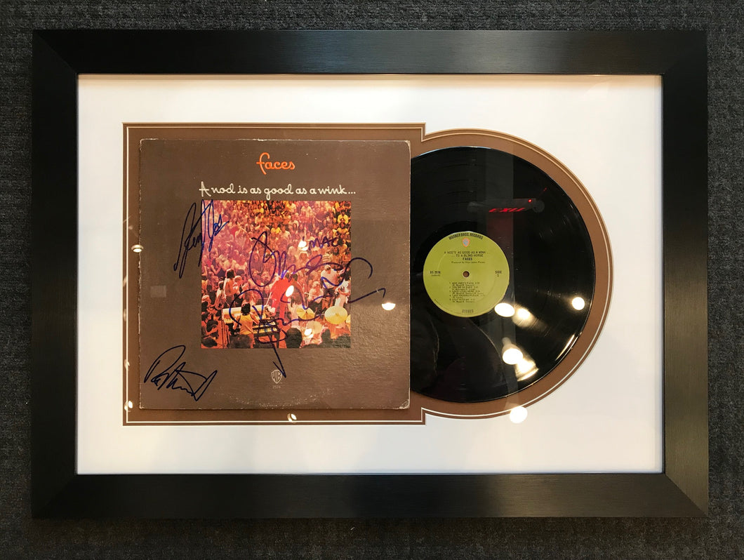 A NOD IS AS GOOD AS A WINK - ALBUM COVER AND VINYL SET-UP - SIGNED BY FACES