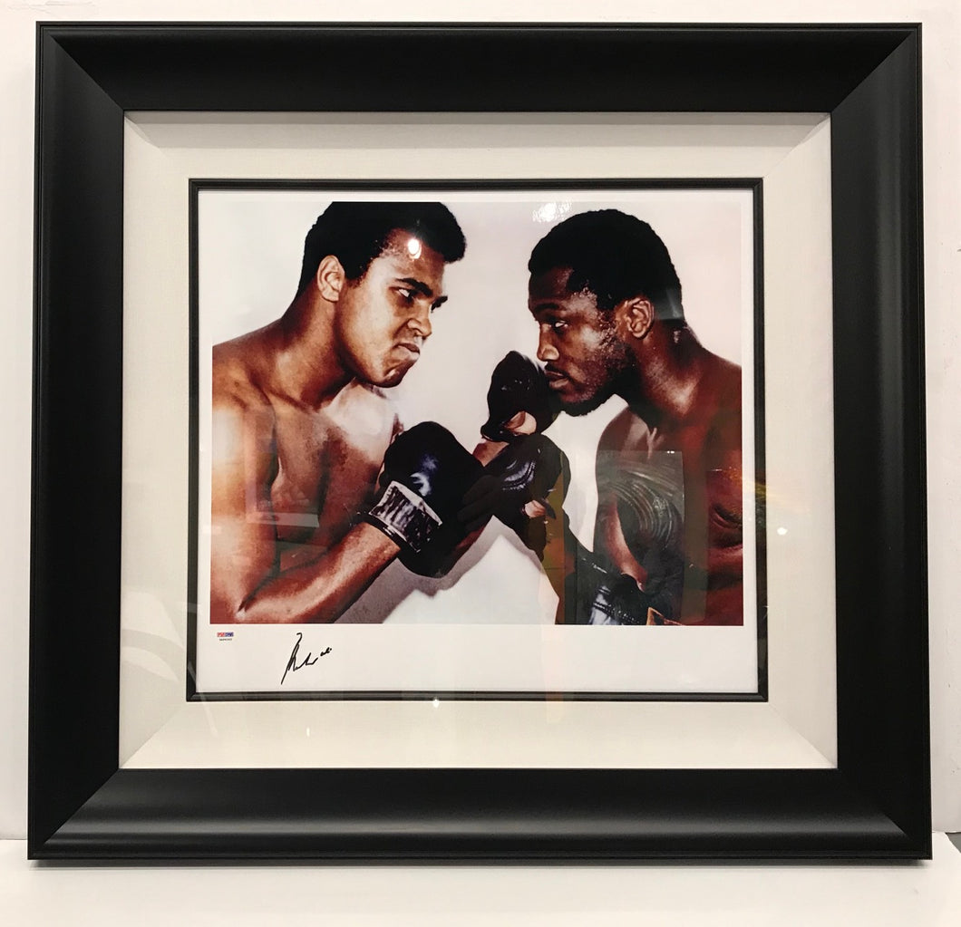 ALI VS FRAZIER - FACE OFF - SIGNED BY MUHAMMAD ALI