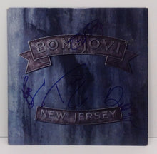 NEW JERSEY - ALBUM COVER AND VINYL SET-UP - SIGNED BY BON JOVI