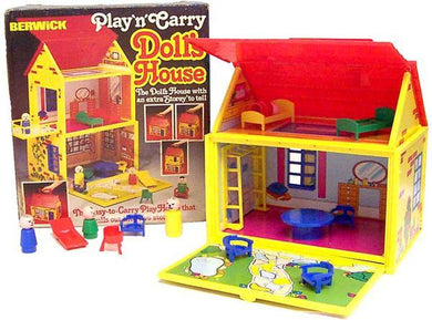 PLAY 'N CARRY DOLL HOUSE