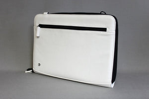 "15""/16""  ZIPPERED FOLIO SLEEVE - WHITE"