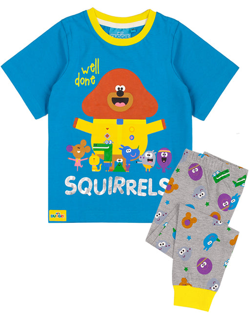 The pyjama set for children and toddlers comes in sizes 18-24 months, 2-3 years, 3-4 years and 4-5 years offering a comfortable and regular kids fit made for ultimate comfort perfect for everyday Squirrel Club adventures