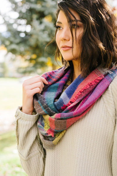Nacho Basic Scarf In Fuchsia