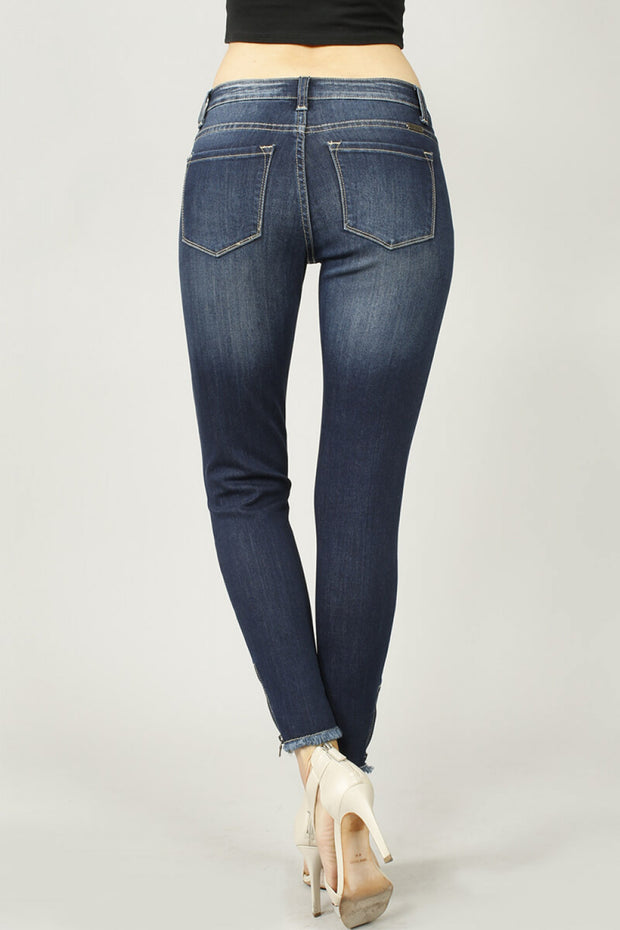 Ankle Cut Frayed Zipper Jeans