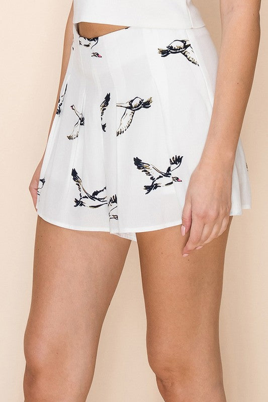 Bird Print Pleated Shorts