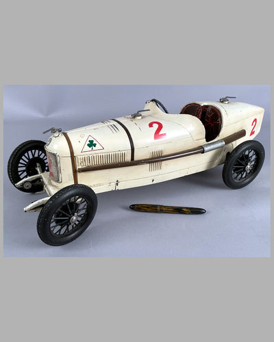 Alfa Romeo P2 wind up tin plate toy