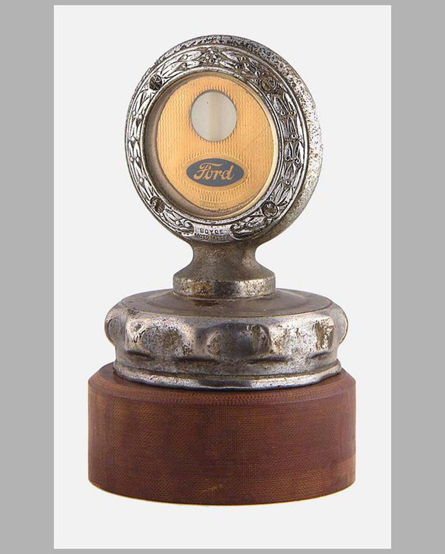 Ford Motometer w/radiator cap by Boyce, USA, 1910 to 1920