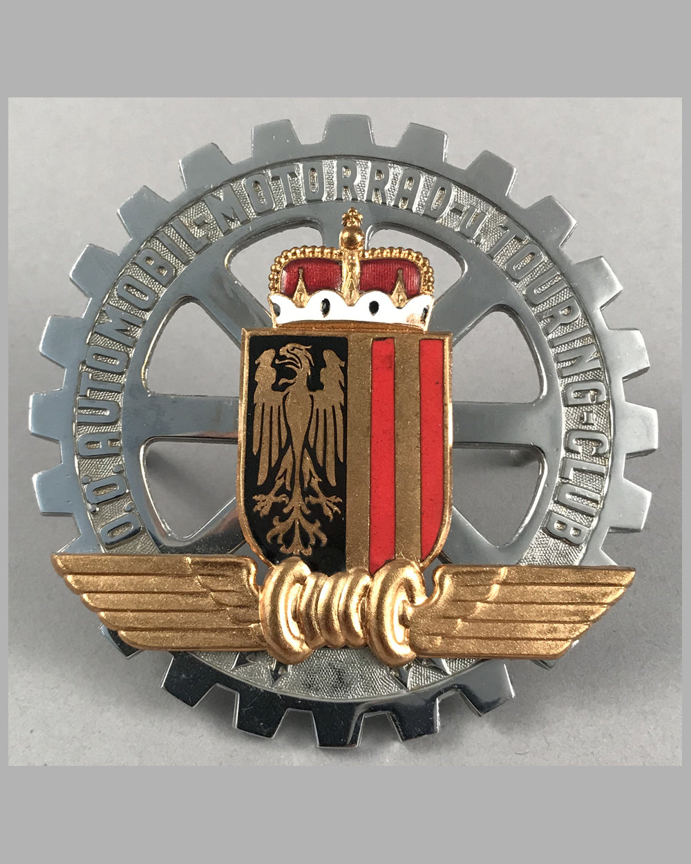 O.O. Automobil - Motorrad - u. Touring - Club (The Austrian Automobile, Motorcycle and touring club) grill badge
