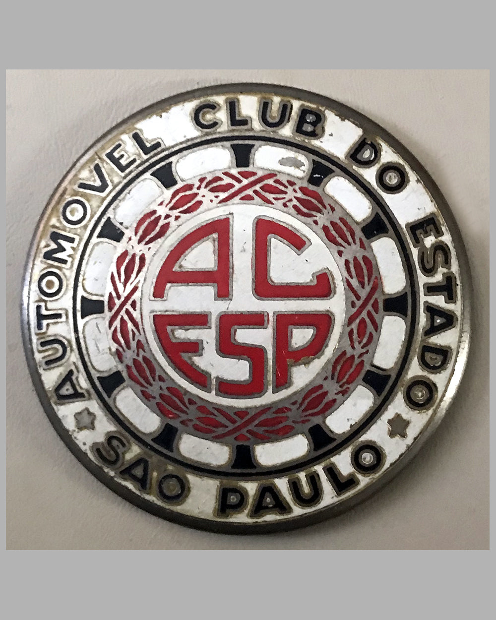 Automobile Club of the State of Sao Paulo grill badge