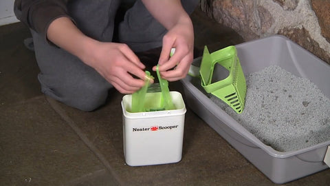 neater scooper bag in use