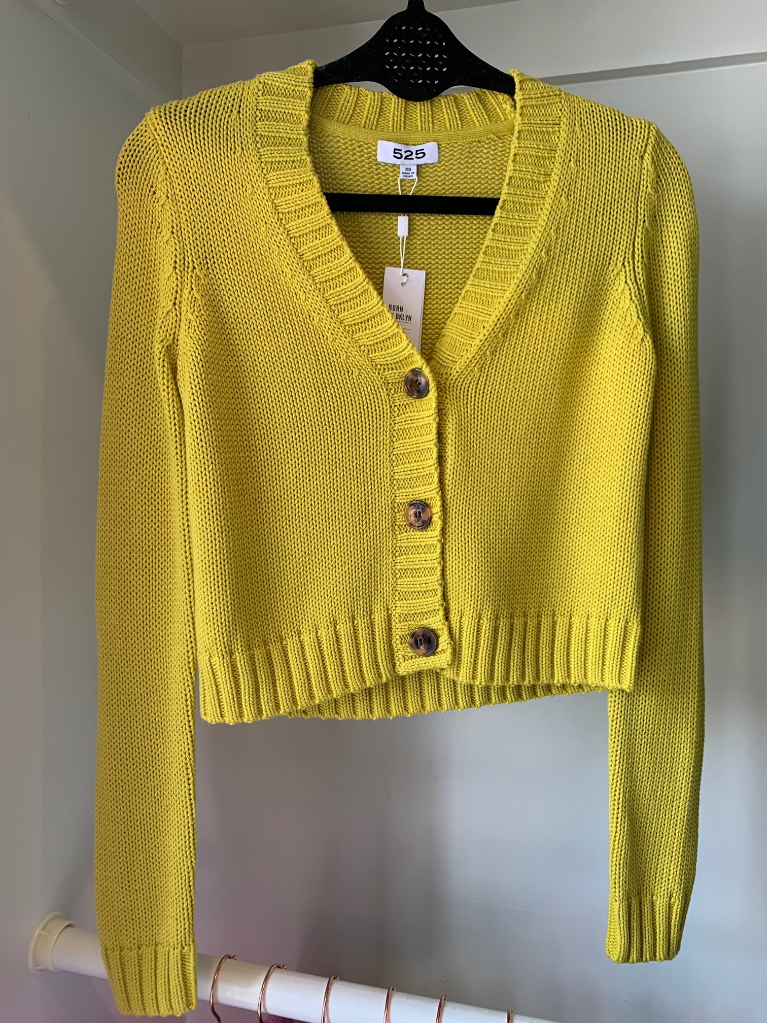 525 America Cotton Shaker Cropped V-Neck Cardigan